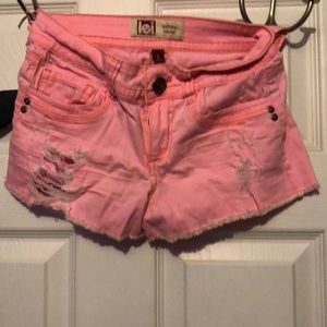 Pants - Pastel pink shorts